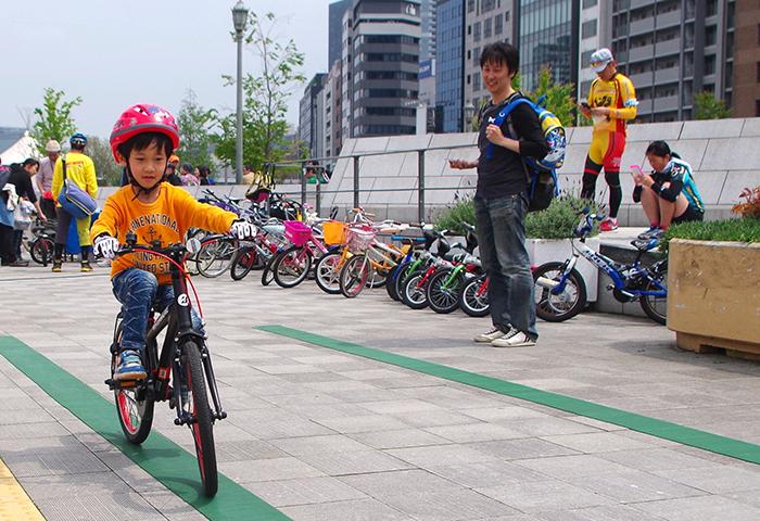 大阪・堺市で開催される「見る、知る、乗れる自転車教室」