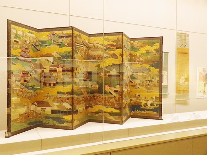 大坂城下を描いた屏風