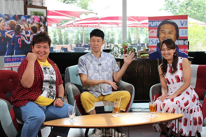 (写真左から)西代洋(ミサイルマン)、小籔千豊、ゲストの丸山桂里奈
