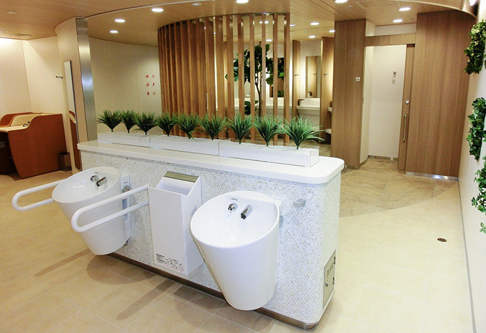利用者の93.6%が満足するトイレに変貌した