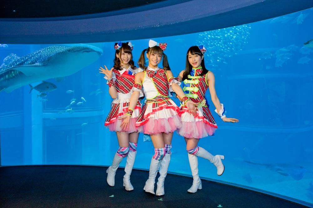 左から、芹澤優、茜屋日海夏、久保田未夢