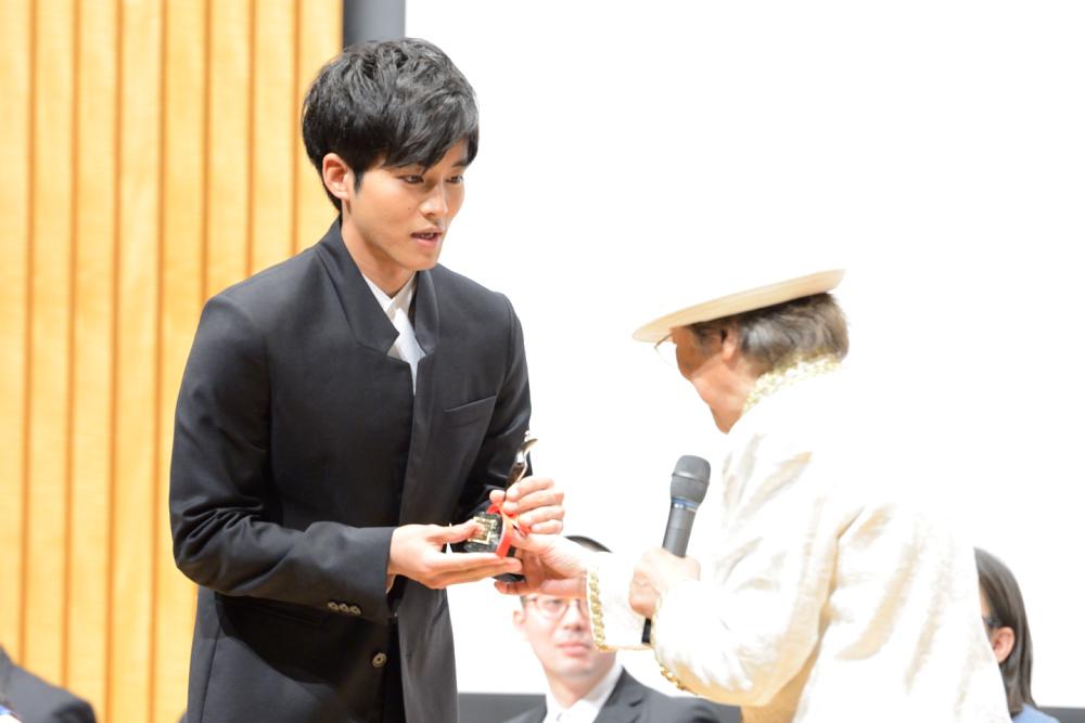 助演男優賞を受賞した松坂桃李