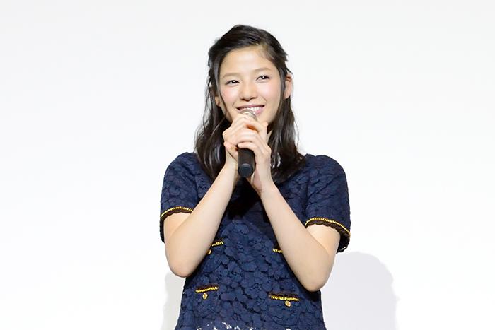 E-girls最年少メンバーの石井杏奈