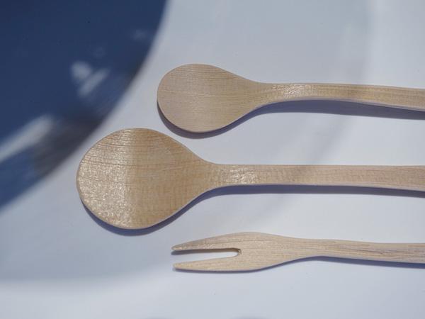 桶で有名な中川木工芸が、高品質ながらも余った木材を利用し作ったカトラリー。フォーク2,500円