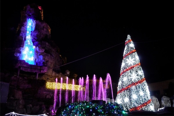 「ひらかたパーク」で開催する「光の遊園地」
