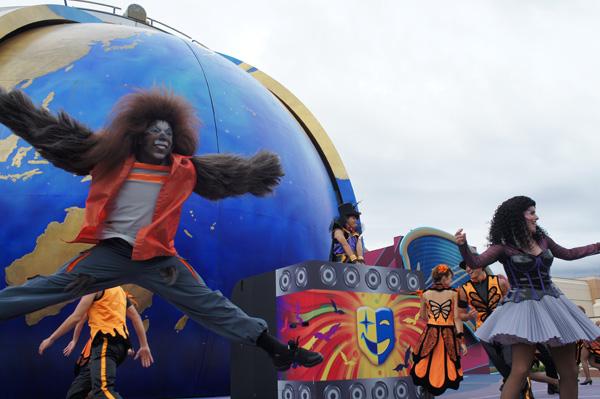 ドラキュラや狼男などのモンスターの歌とダンスのショー