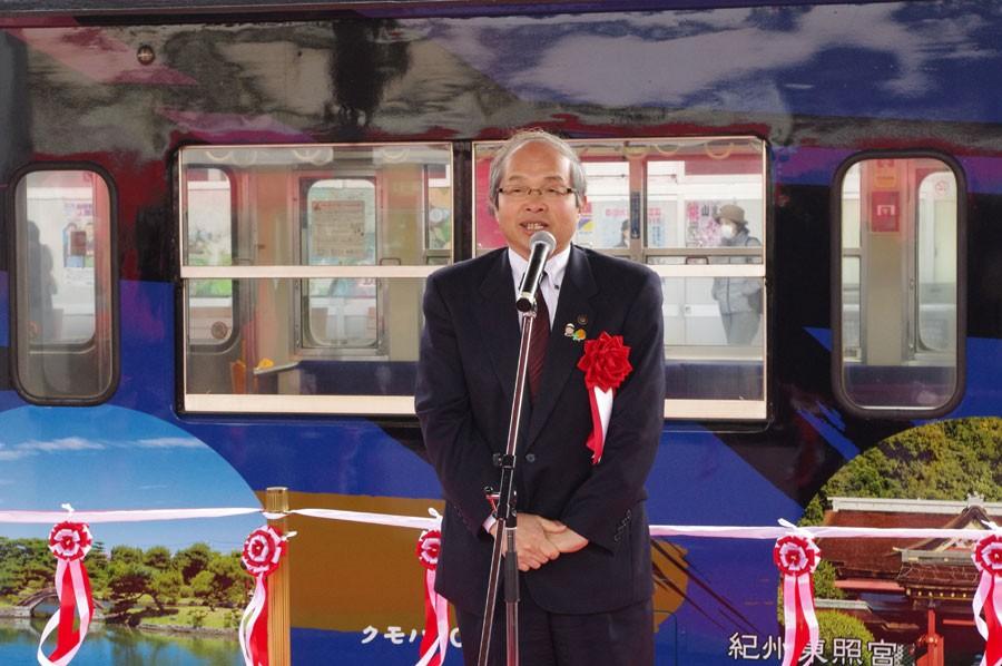 お祝いに駆けつけた橋本市の平木市長