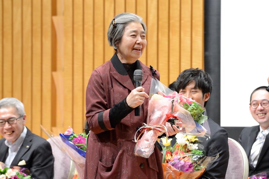 主演女優賞を受賞した樹木希林(6日・大阪市内)