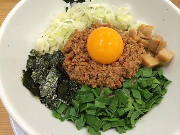 「麺や マルショウ」の台湾まぜそばは780円。濃厚な味わいがクセになる