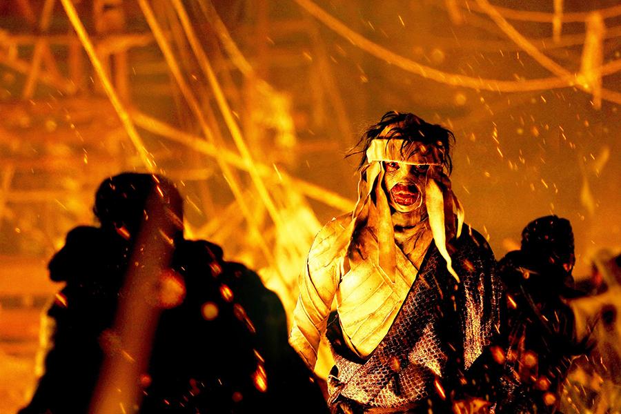 © 和月伸宏/集英社 © 2014「るろうに剣心 京都大火/伝説の最期」製作委員会