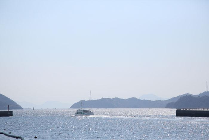 岡山県玉野市・宇野港は、本州から「瀬戸内国際芸術祭」開催地へとつながる海の玄関口 撮影/Ayami