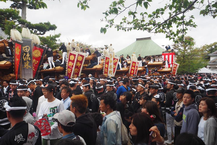 全12台のだんじりが久米田寺に集結