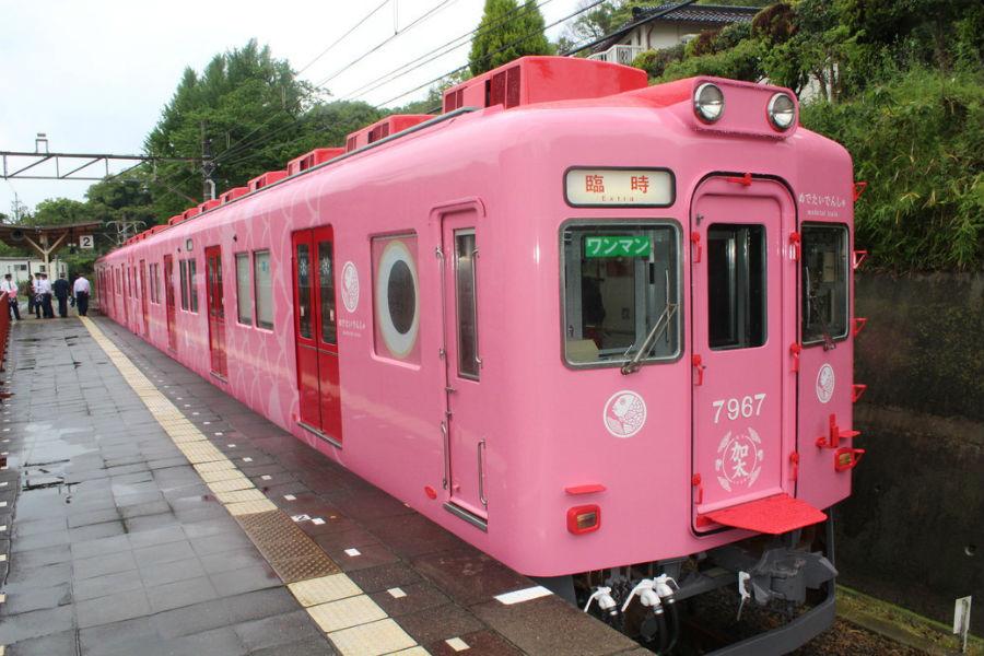 加太さかな線の観光列車「めでたいでんしゃ」