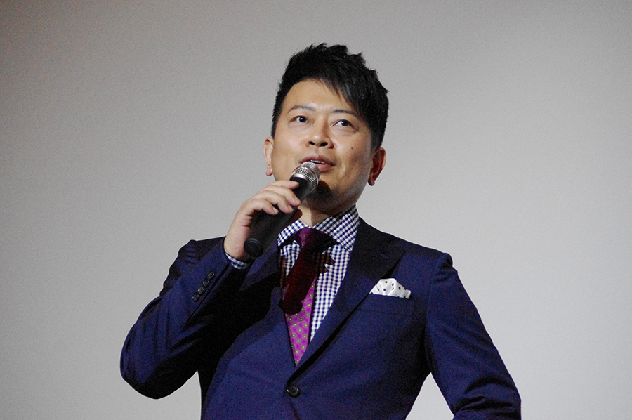 役者としても評価の高い宮迫博之、本作では売れない芸人を演じた