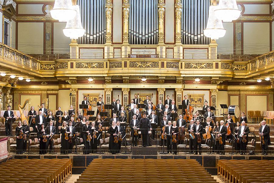 ウィーン楽友協会にて、佐渡裕とトーンキュンストラー管弦楽団 (c)Werner Kmetitsch