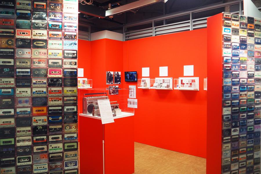 水道橋博士やみうらじゅん、伊藤桂司らのオリジナルカセットアートやカセットコレクションも展示