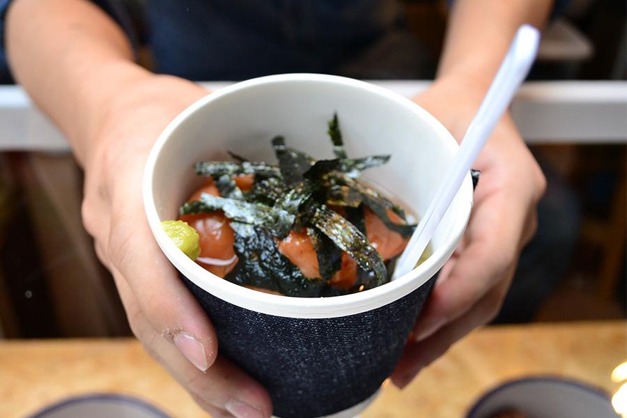 「なでしこ」という甘い梅干しと紀州の「酸っぱい梅」、キムチ梅のトリプル(700円)