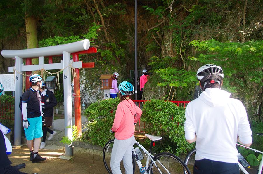 近江八幡「藤ヶ崎龍神」近くにある「妙得龍神」、凜とした空気に背筋も伸びる