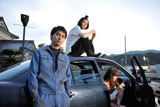 菅田将暉、小松菜奈も出演する映画『ディストラクション・ベイビーズ』© 2016「ディストラクション・ベイビーズ」製作委員会