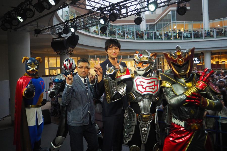 大阪・泉佐野の「イヌナキン」や滋賀・甲賀の「忍ジャガー」など関西各地のご当地ヒーローも登場