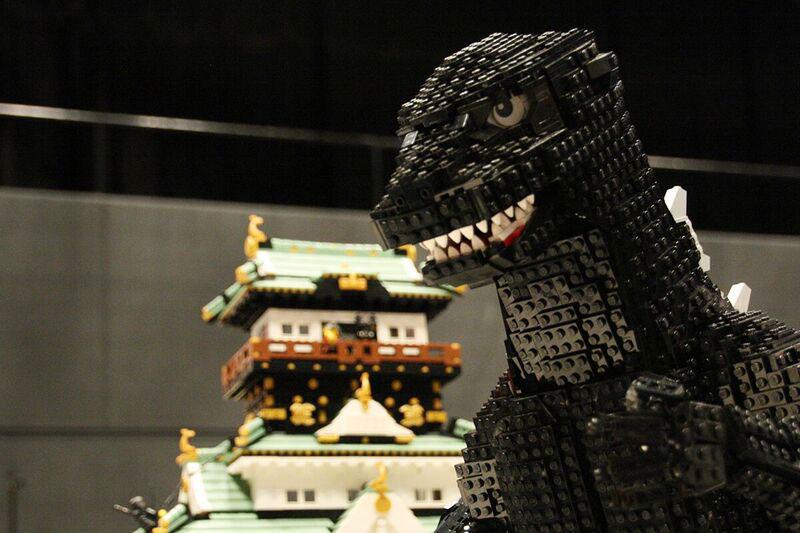 怪獣やロボットといったキャラクターはじめ、映画のワンシーンを再現するなど匠の技が光る作品