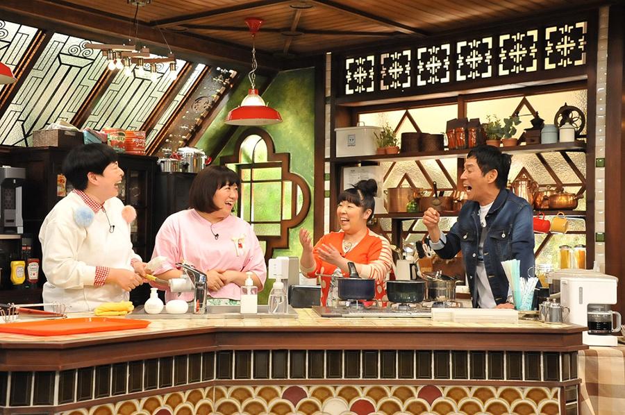 「(彼女の料理で)カレーだけは俺の好みに合わせてもらう」という明石家さんまに3人が自家製カレーで勝負