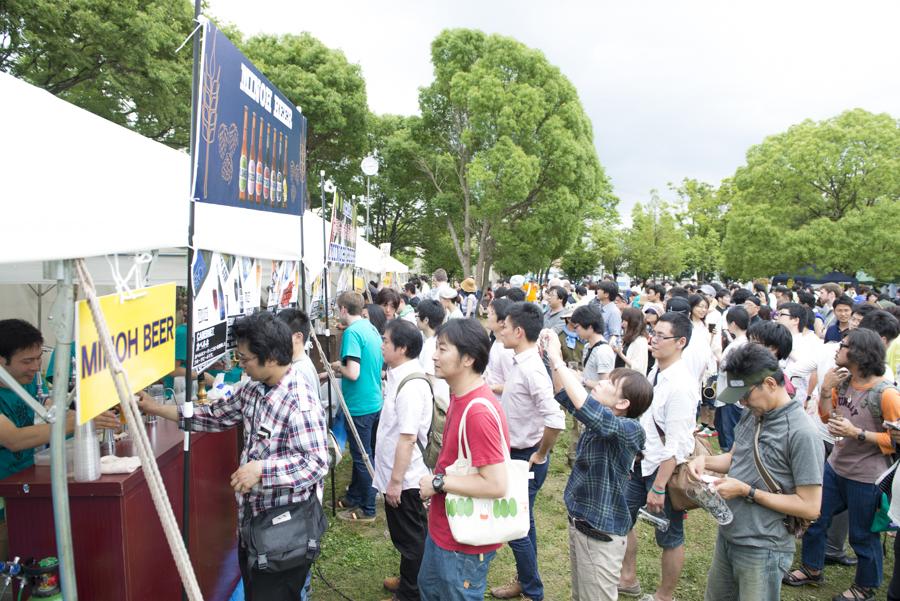 遠方からもたくさんの人が訪れる『箕面ビール感謝祭』(写真提供:箕面ビール)