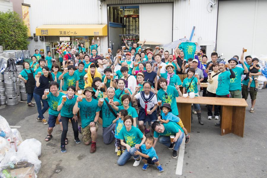 地元スタッフとともに箕面ビールも総出で祭典を盛り上げる(写真提供:箕面ビール)