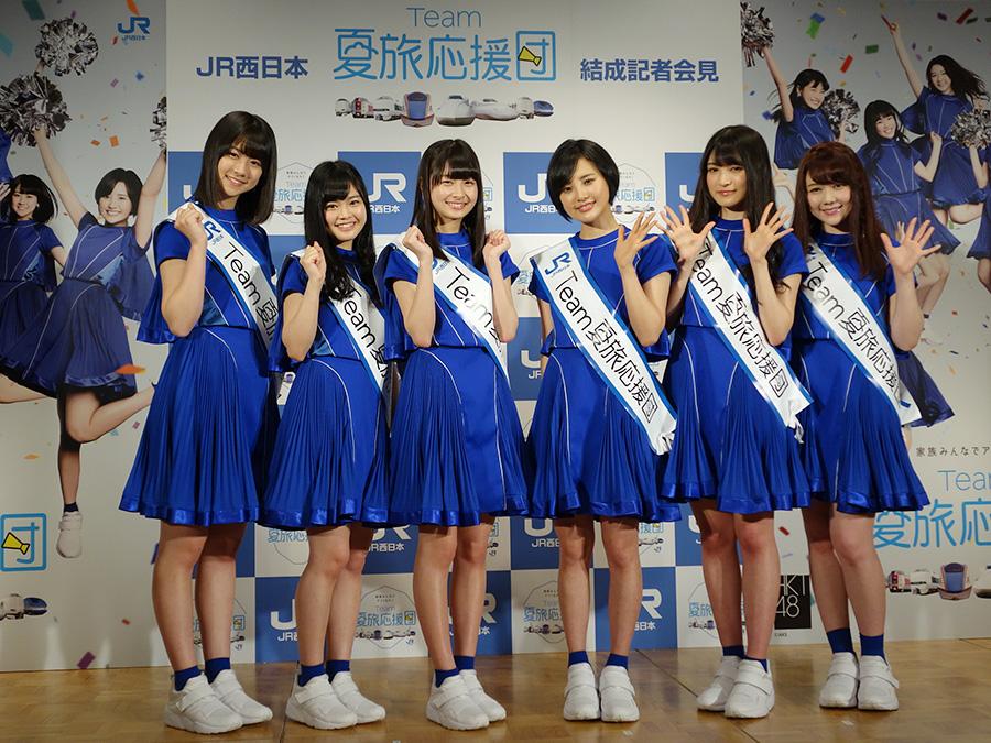 大阪で応援団結成式を行った6人。左から若田部遙、本村碧唯、松岡はな、兒玉遙、神志那結衣、村重杏奈