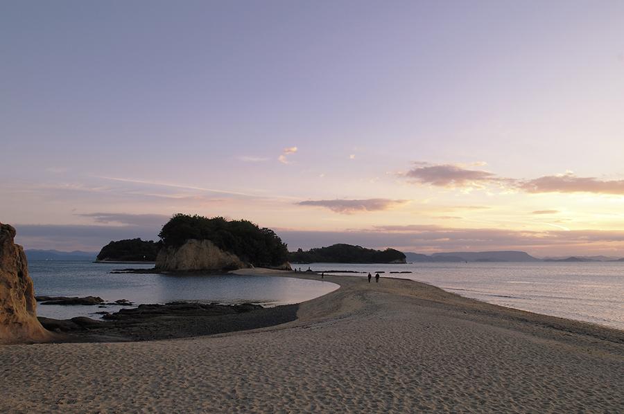 瀬戸内の風景、写真は小豆島エンジェルロード