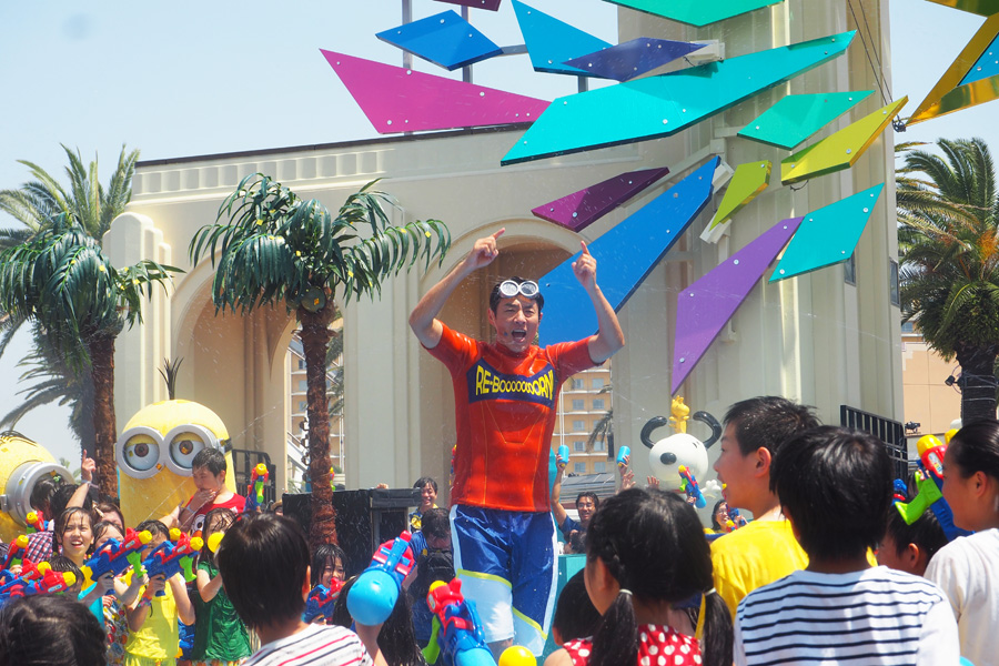「ニッポンの夏、開幕だ! すべてを出し切ろう!」と熱く登場した松岡。やっぱり快晴だった。