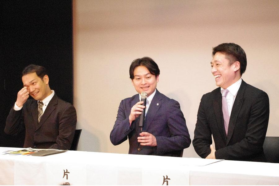 「歌、舞、伎の3つの要素をふんだんに、力を合わせて作っていきたい」と話す3人