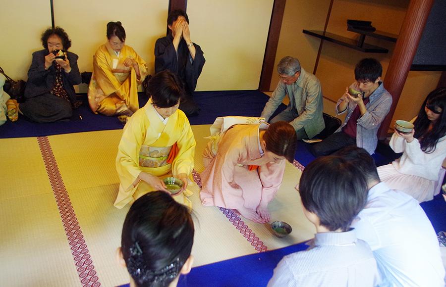 「第35回須磨大茶会」(4月2日・大本山須磨寺)の様子
