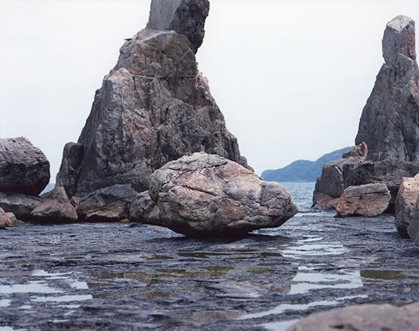 鈴木理策《海と山のあいだ 14.DK-304 / 2014》©Risaku Suzuki / Courtesy of Gallery Koyanagi