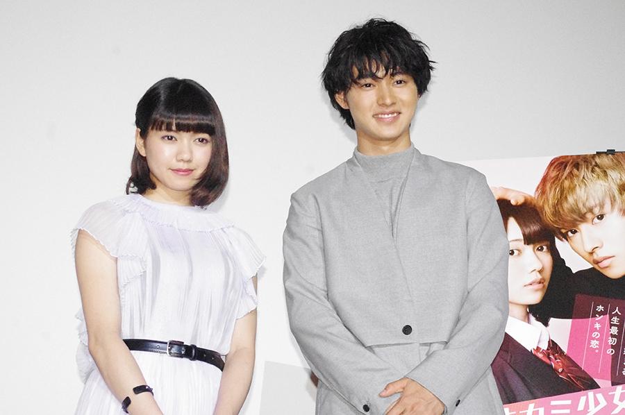 6年ぶりの共演となった二階堂ふみ(左)と山﨑賢人