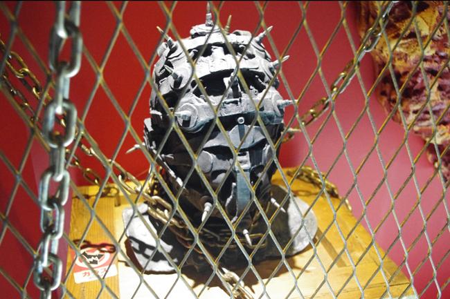 H・R・ギーガー氏に立体化を依頼した仮面のオブジェ