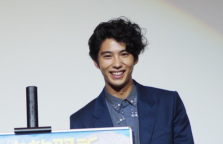 大阪での舞台挨拶に登場した俳優・賀来賢人(9日・梅田ブルク7)