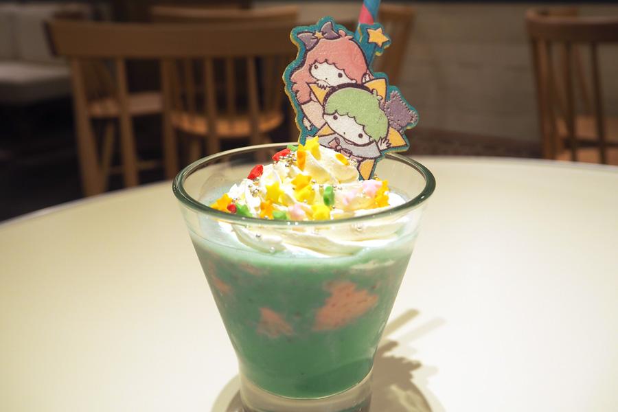 キキ&ララのマーブルスムージー951円