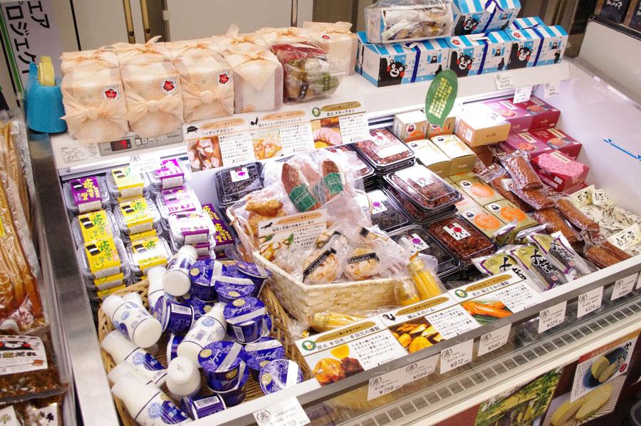 「ブラウンスイス牛」の飲むヨーグルト378円、食べるヨーグルト270円など、隠れた名産も
