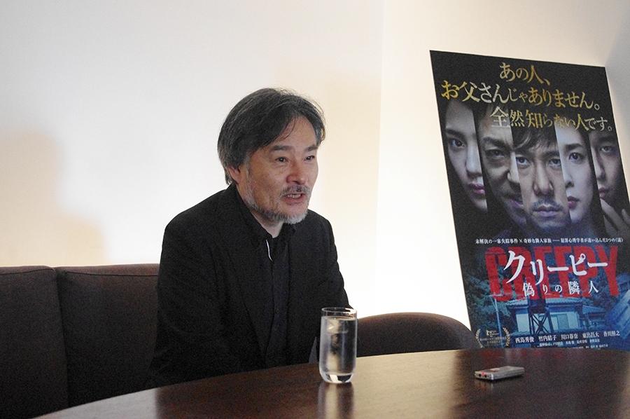 「生のフルオーケストラで音楽を作りたいというのが基本にある」と黒沢清監督