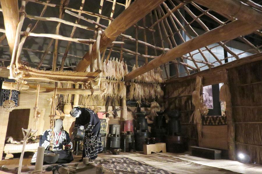アイヌの伝統的家屋・チセを復元したもの