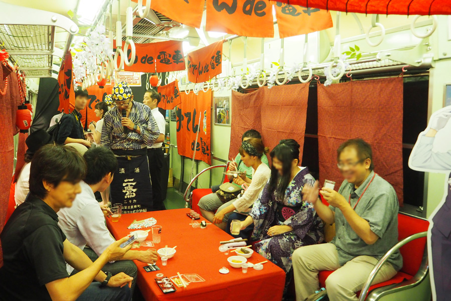 大津線「おでんde電車」の名物おでん、初日は早々に完売!