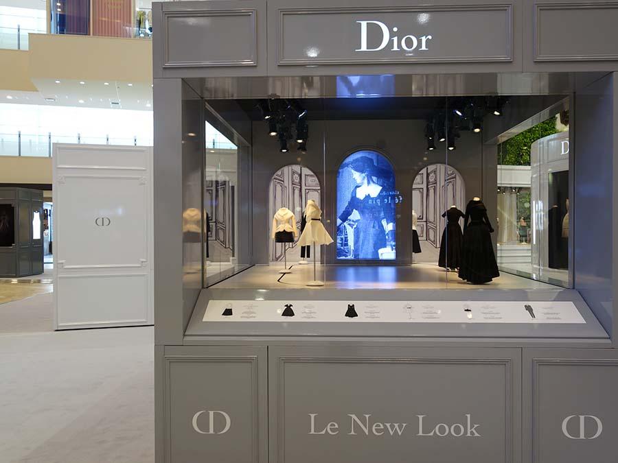「ニュールック」のコーナーでは1947年から2012年のドレスをミックスして。統一感ある世界観が伝わってくる