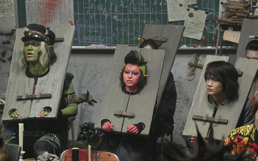 左から桐谷健太、清野菜名、神木隆之介 © 2016 Asmik Ace, Inc./TOHO CO., LTD./J Storm Inc./PARCO CO., LTD./AMUSE INC./Otonakeikaku Inc./KDDI CORPORATION/GYAO Corporation