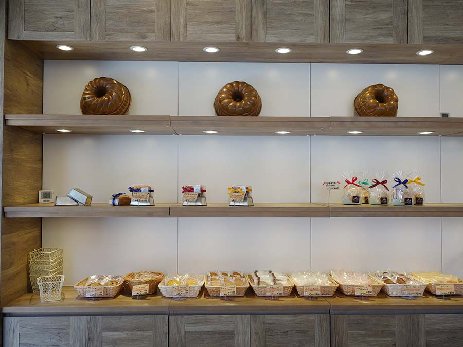 パウンドケーキやクッキー、マドレーヌ、ガレット・ブルトンヌなどの焼き菓子も