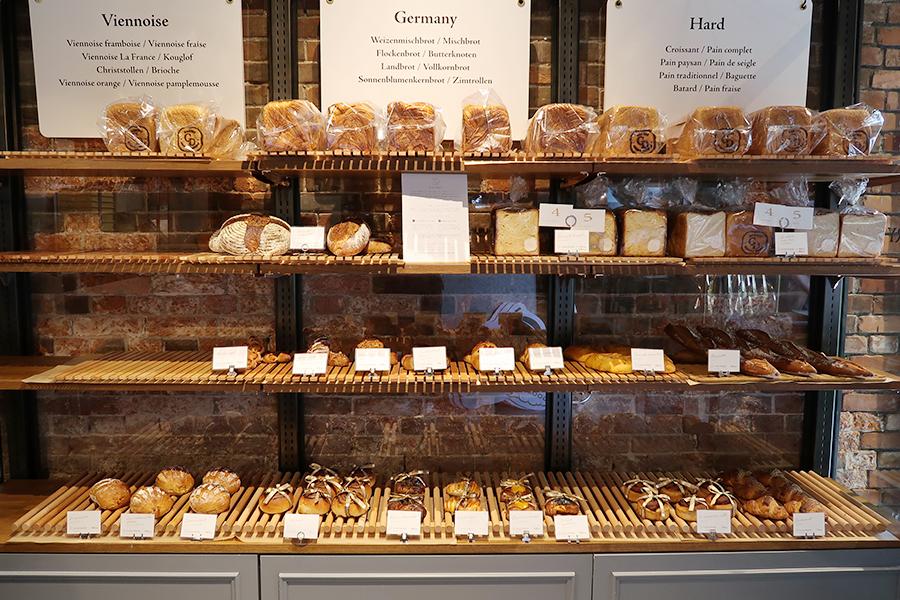 「Goodays BAKERY(グッデイズベーカリー)」ではドイツパンやフランスパンが。今後はフルーツを使ったパンも増えていくそう