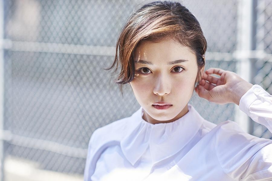 番組ナビゲーターをつとめるのは、女優の松岡茉優