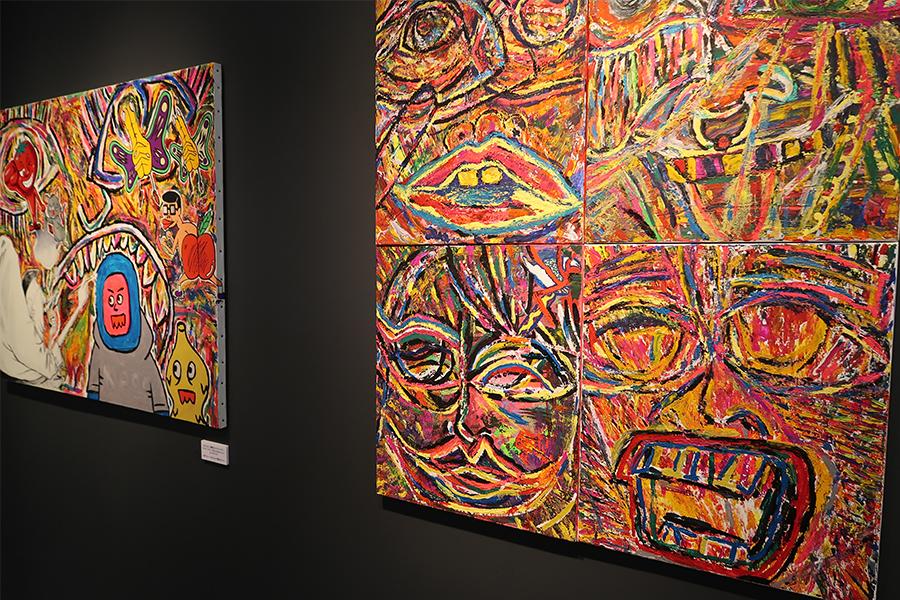 ピン芸人キシモトマイの作品。左側はキングコングの西野やネゴシックスら5人で描いたそう