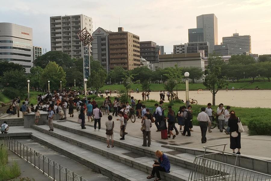 大阪「扇町公園」東側にある「扇町プール」付近からの風景(28日夕方・撮影)