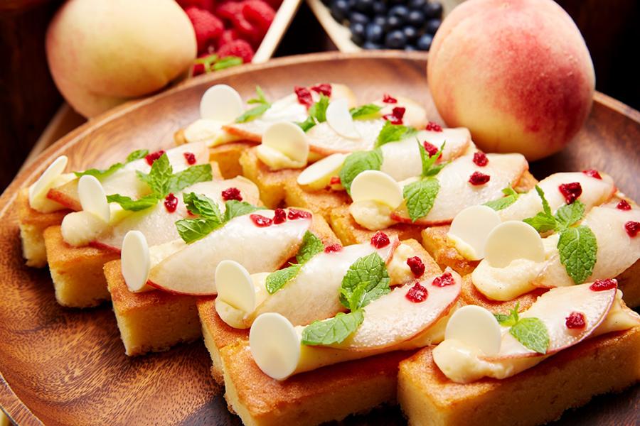 みずみずしい食感が楽しめる桃のタルト